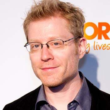 Dueling Anthonys – with Anthony Rapp – Episode 153